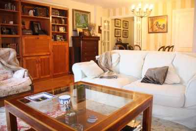 Cozy apartment in Sant Gervasi area in Barcelona